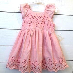 Gap Eyelet  ruffled sleeve dress